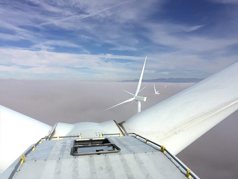 Vertikales Fallschutsystem VERTILIGNE VERTIC auf Windturbinen